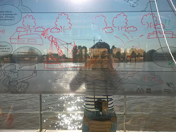 Agora, carnet de voyage, bateau bus, bat3, Bordeaux, dessin, illustratrice, julie blaquié